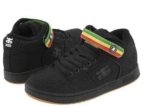 Vegan Skateboard Shoe in black by iPath