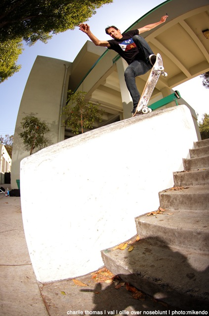 ollie over nose blunt Photo: Mikendo