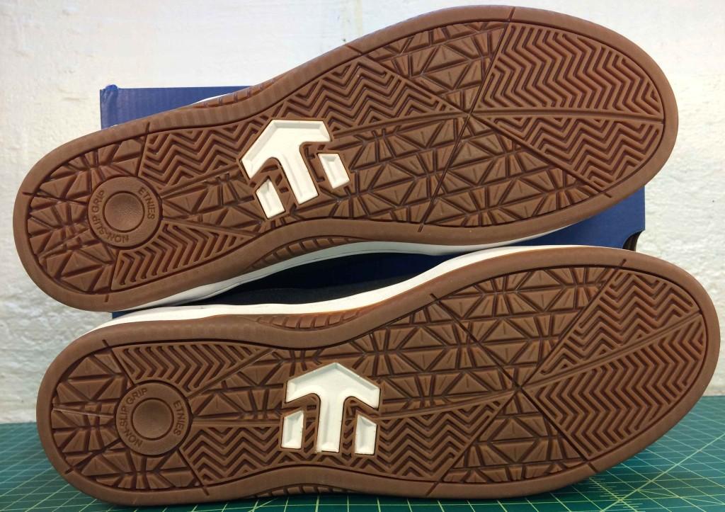 Etnies non-slip grip skateboard shoes