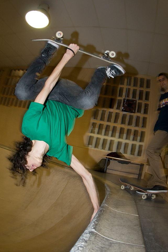 vegetable-shredder vegan skateboarder